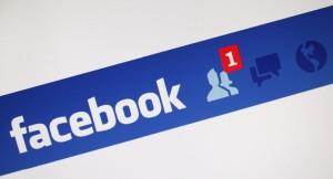 nascondere gli amici su facebook